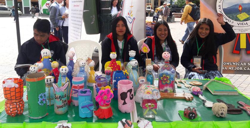 Feria Estudiantil de Aprovechamiento y Sensibilización Sobre el Manejo de Residuos Sólidos